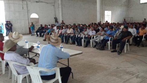 ejidatario meeting over trasisthmic corridor