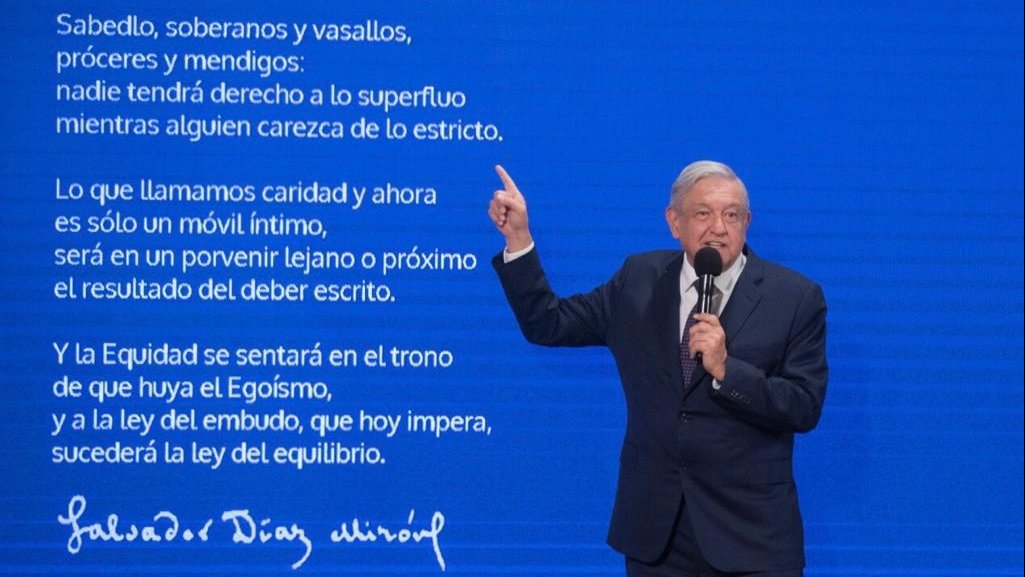 After asking people to save, President López Obrador quoted a Salvador Díaz Mirón poem.