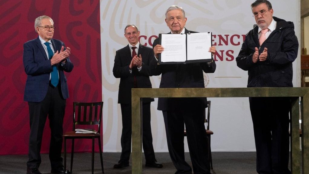 Health Minister Jorge Alcocer, Deputy Minister of Health Hugo López-Gatell and Legal adviser Julio Scherer Ibarra, respond to President López Obrador's presentation of the letter.