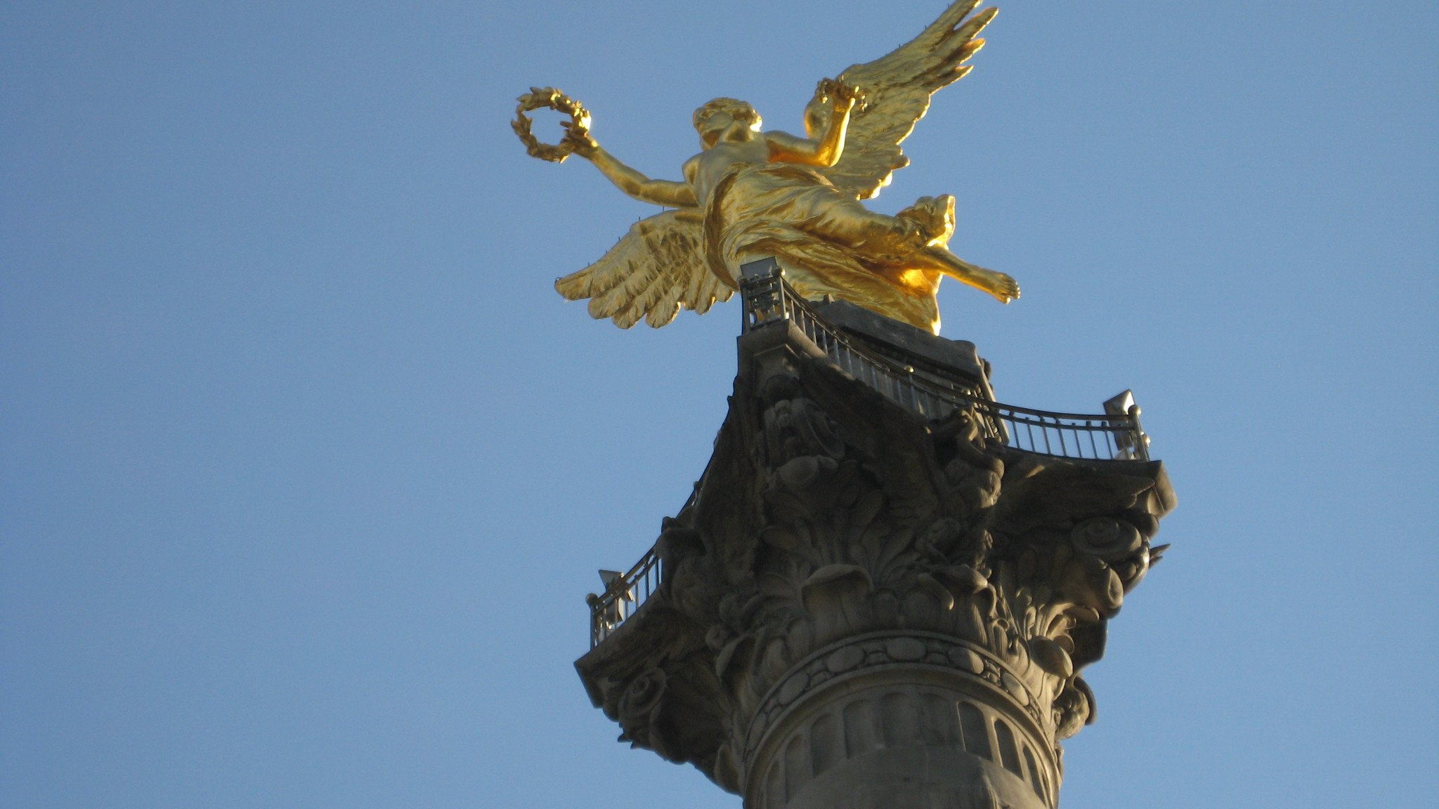 Independencia Angel